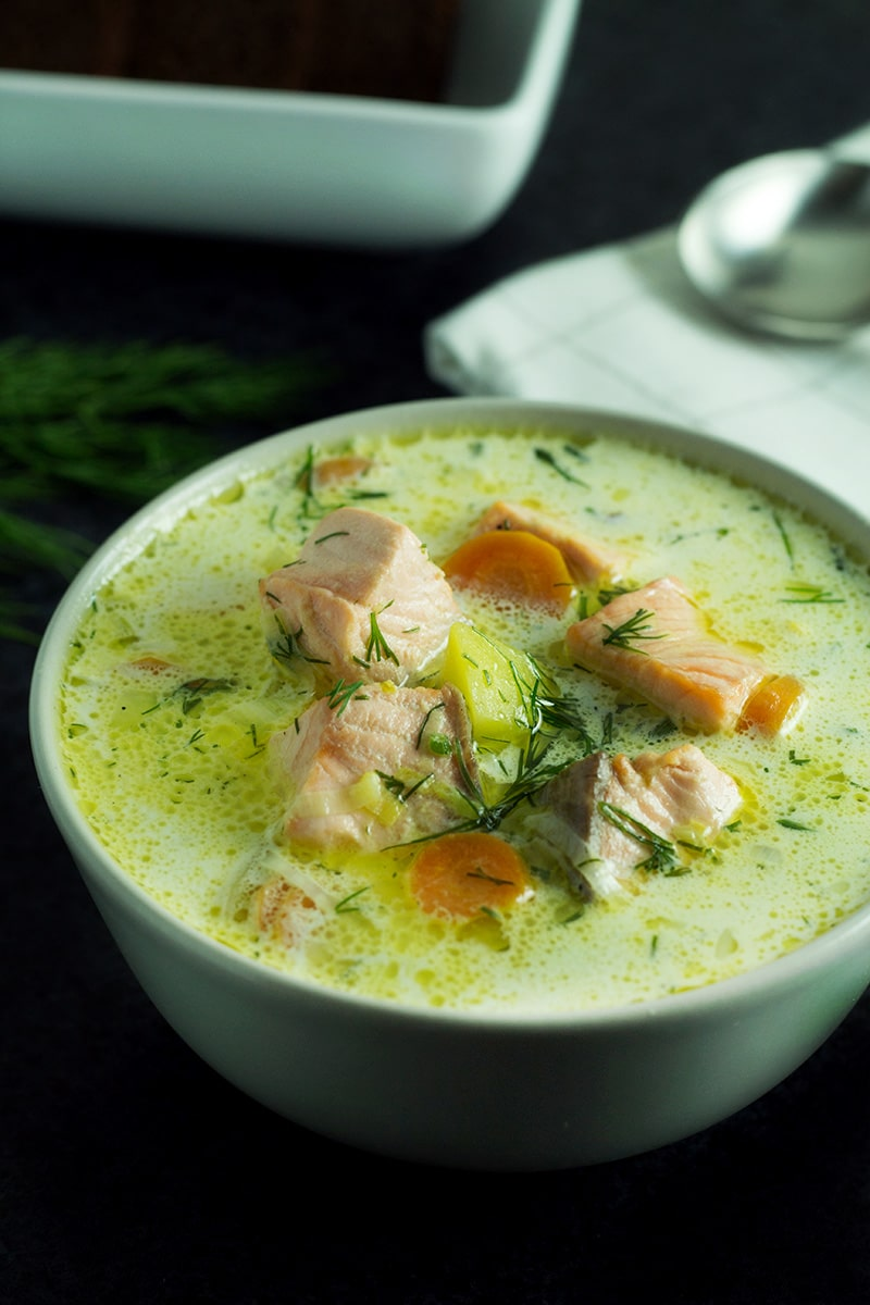 Hearty & creamy traditional Finnish Salmon Soup - Lohikeitto. Warms you up instantly and it's really filling! #Finland #soup #salmon | cookingtheglobe.com