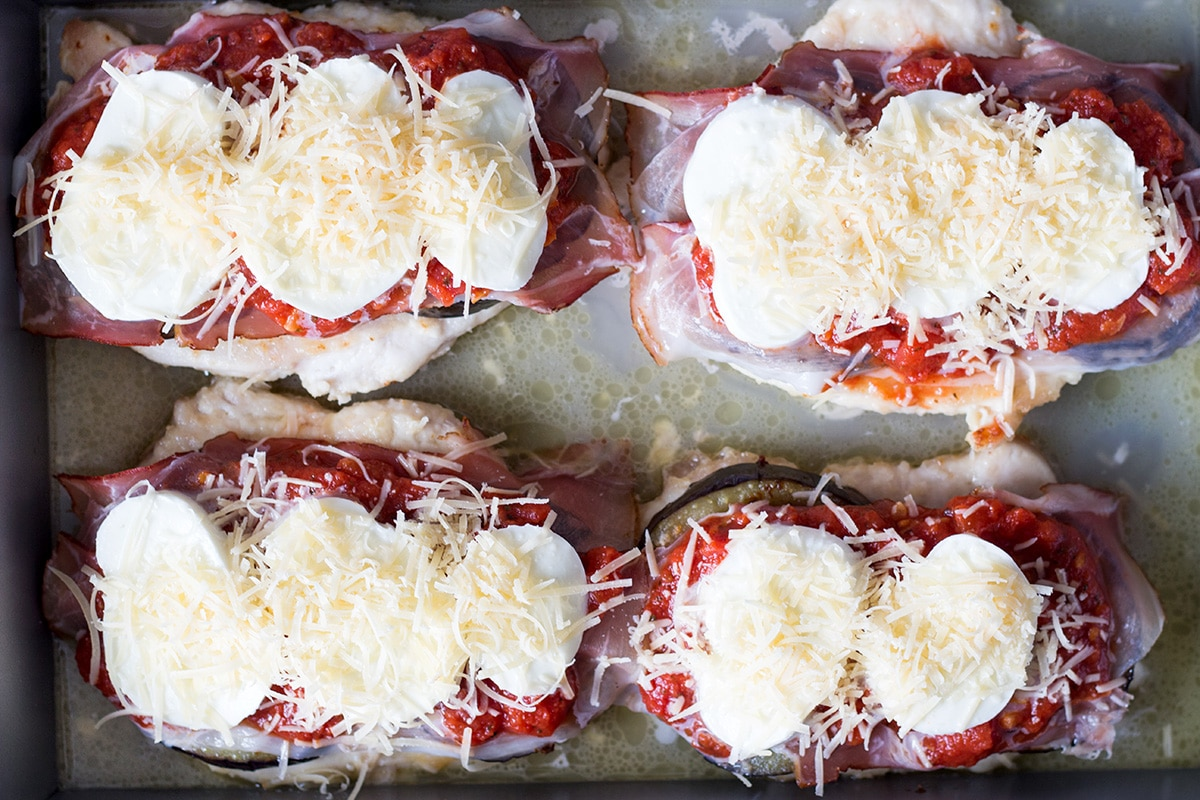 This Chicken Sorrentino includes eggplant, prosciutto, mozzarella, Parmesan cheese and marinara sauce. How is that for a combination?   cookingtheglobe.com
