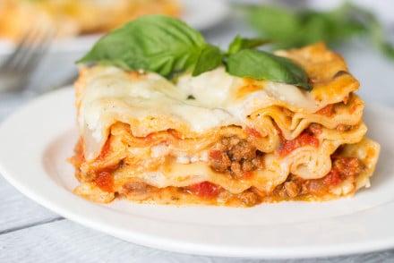 Pasticho is a Venezuelan version of lasagna. It's creamy, meaty and cheesy!   cookingtheglobe.com