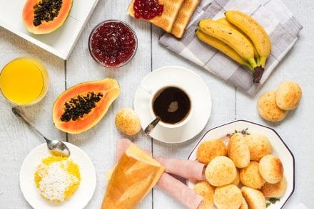 Take a sneak peek at the traditional Brazilian breakfast! It offers coffee, fruit, cheese bread, couscous and other delicious foods!