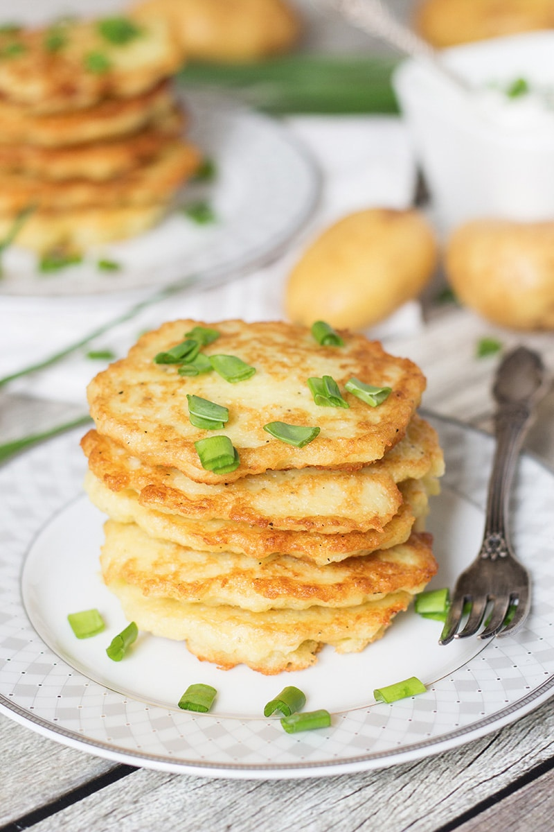 Polish potato pancakes w sour cream chives these polish potato pancakes are amazingly delicious and require only few simple ingredients to make ccuart Image collections