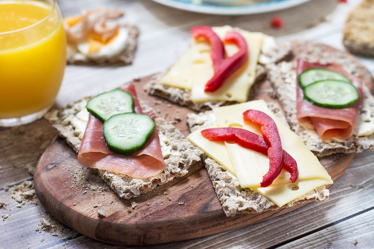 A look at the common Swedish breakfast which features open sandwiches, caviar, eggs and porridge!   cookingtheglobe.com