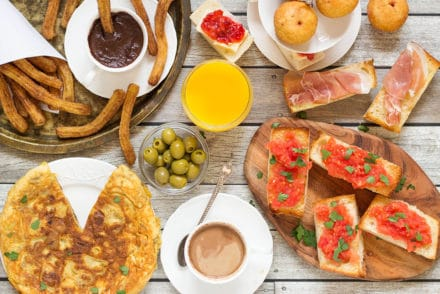 A look at the traditional Spanish breakfast featuring the famous Spanish potato omelette, churros and hot chocolate, and a big variety of delicious sandwiches!