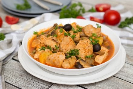 This traditional Puerto Rican Chicken Stew (Pollo Guisado) is easy and quick to make. Perfect as a weeknight dinner! | cookingtheglobe.com