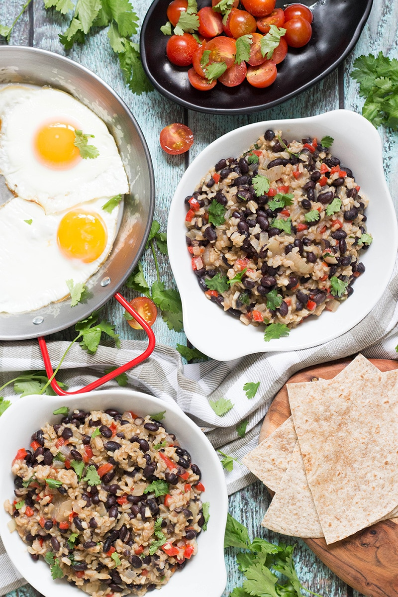 If you have never tried Gallo Pinto before, you don't know what you are missing. This Costa Rican Rice and Beans recipe will leave you craving for more! #vegan | cookingtheglobe.com