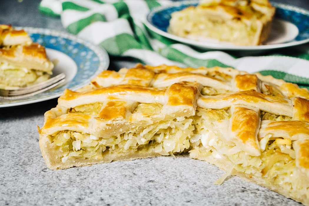 Russian cabbage pie stuffing