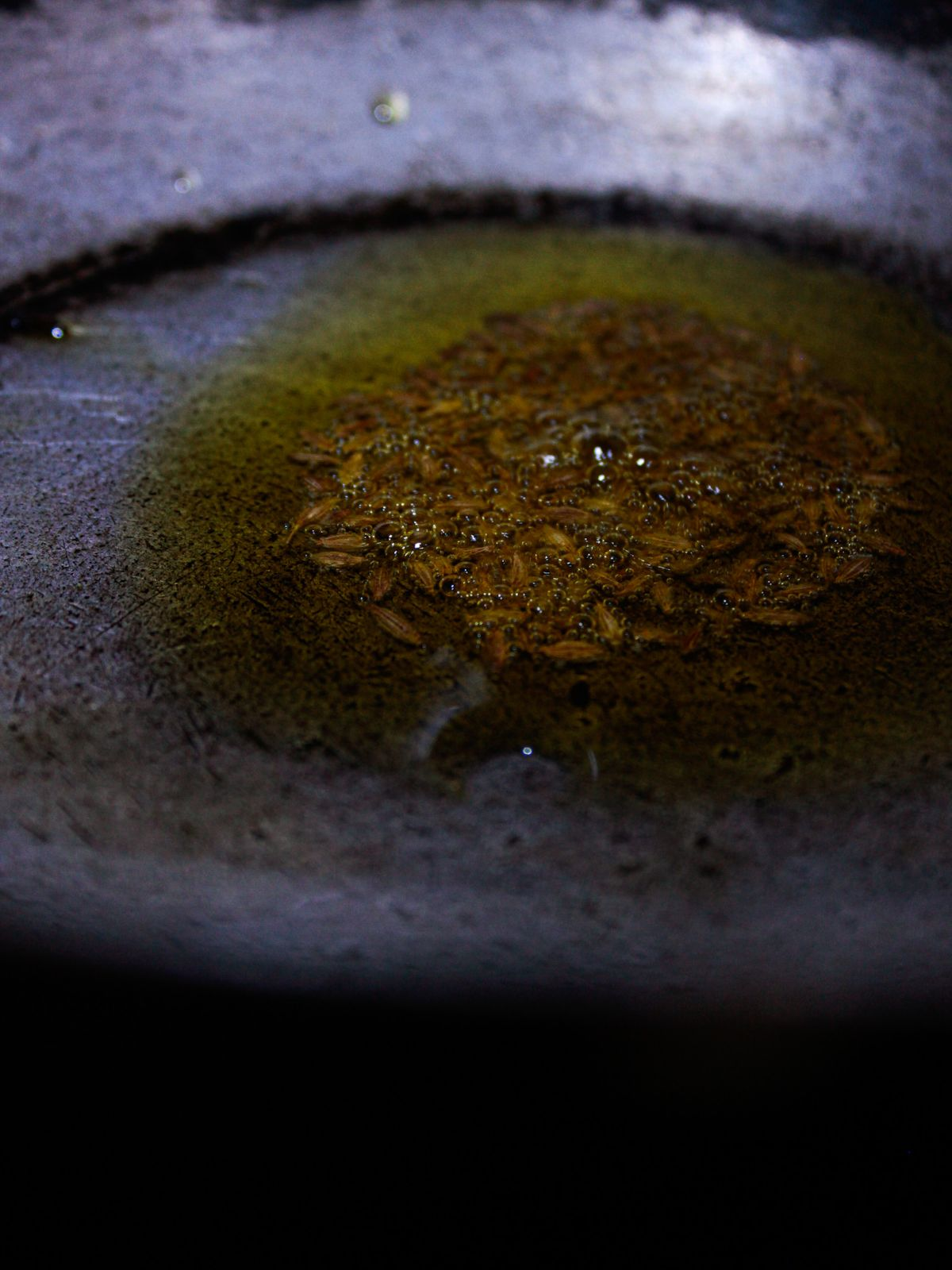 Tampering of pan and cumin seeds